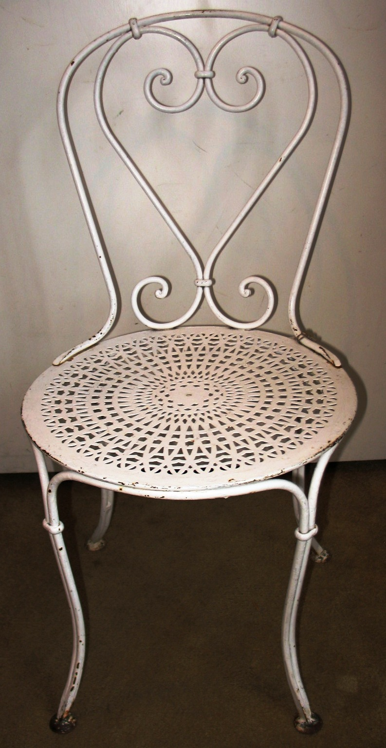 L Esprit French Country Antiques Garden Accessories